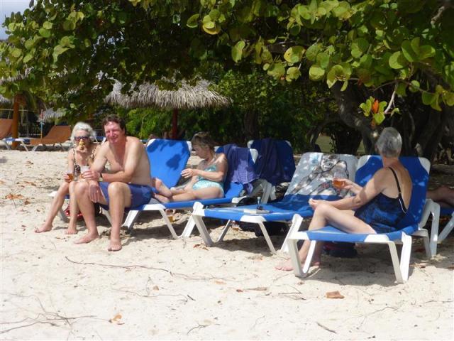 http://gandjlawrence.co.uk/photos/cuba/Bill/P1070264.jpg