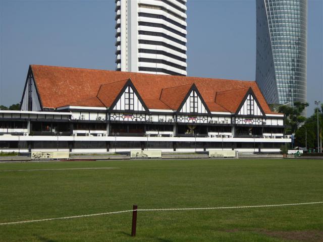 http://gandjlawrence.co.uk/photos/malaysia/Bill/P1050684_Large_.jpg