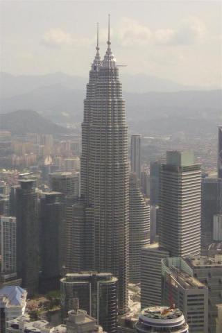 http://gandjlawrence.co.uk/photos/malaysia/Bill/P1050705_Large_.jpg