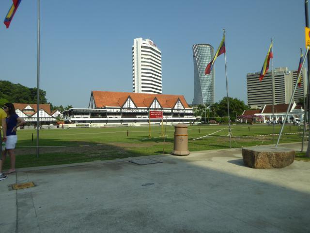 http://gandjlawrence.co.uk/photos/malaysia/Jane/P1010771.jpg