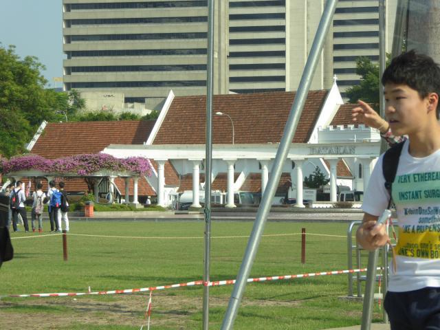 http://gandjlawrence.co.uk/photos/malaysia/Jane/P1010772.jpg