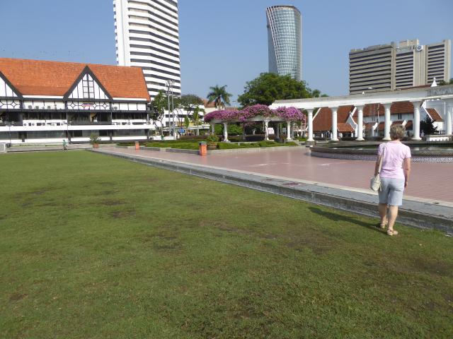 http://gandjlawrence.co.uk/photos/malaysia/Jane/P1010775.jpg
