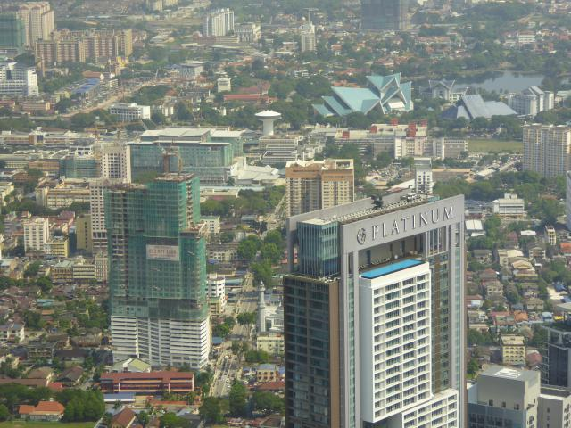 http://gandjlawrence.co.uk/photos/malaysia/Jane/P1010792.jpg