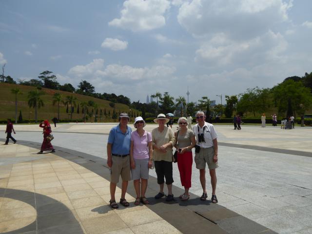 http://gandjlawrence.co.uk/photos/malaysia/Jane/P1010811.jpg